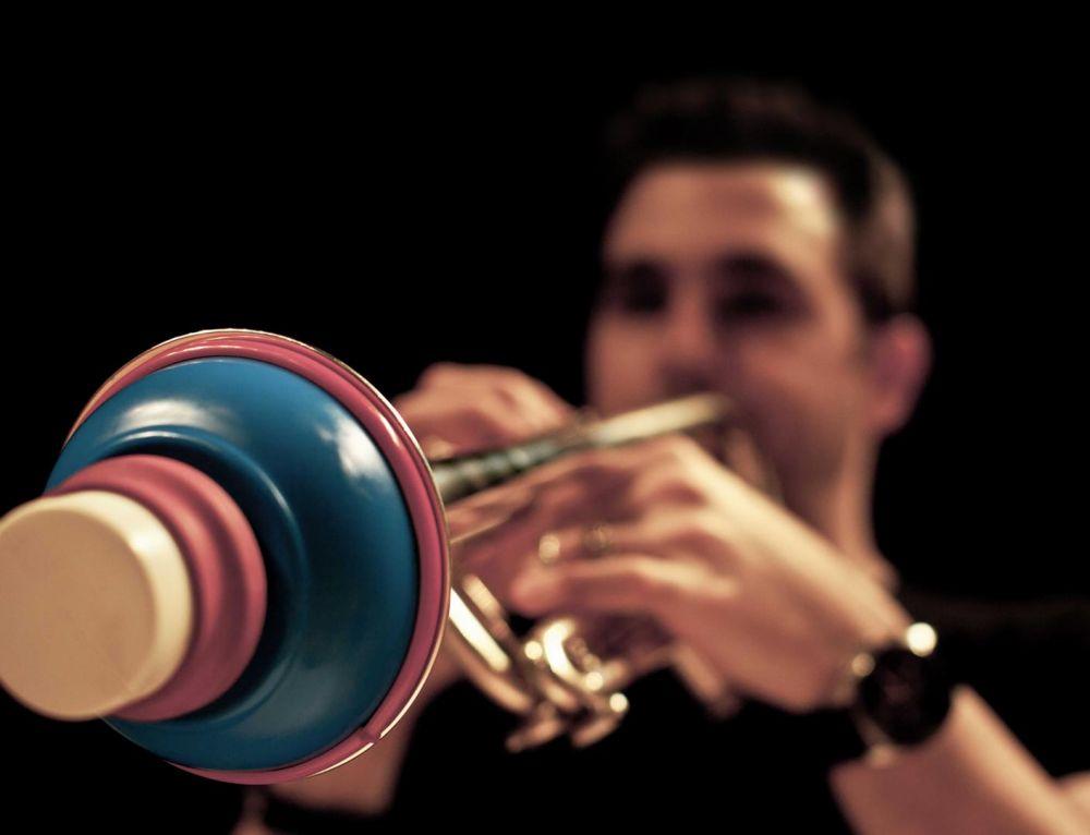 """El trompetista Manuel Blanco, un """"sensible depredador"""" en la OCNE"""