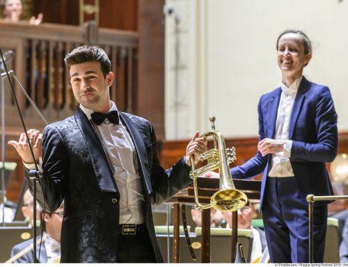 Manuel Blanco «roba» el corazón de la Primavera de Praga con su trompeta
